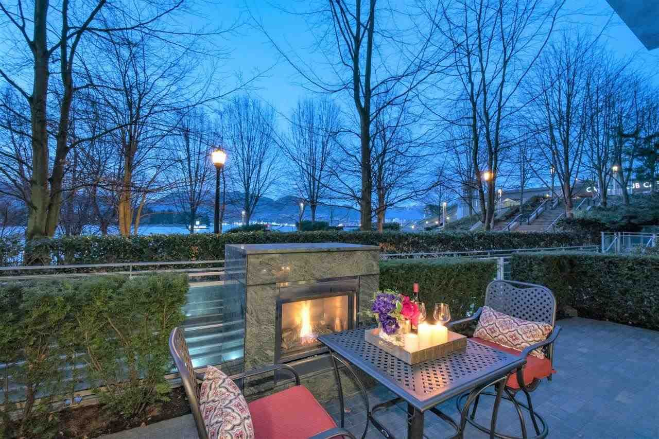 """Main Photo: 102 277 THURLOW Street in Vancouver: Coal Harbour Townhouse for sale in """"Three Harbour Green"""" (Vancouver West)  : MLS®# R2586618"""