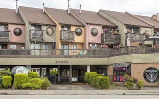 """Photo 1: 3 20229 FRASER Highway in Langley: Langley City Townhouse for sale in """"LANGLEY PLACE"""" : MLS®# R2590934"""
