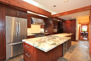 Photo 2: 402 E 5TH Street in North Vancouver: Lower Lonsdale House for sale : MLS®# V978336