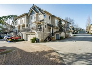 """Photo 2: 36 20120 68 Avenue in Langley: Willoughby Heights Townhouse for sale in """"The Oaks"""" : MLS®# R2560815"""