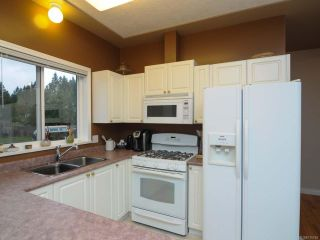 Photo 14: 201 2727 1st St in COURTENAY: CV Courtenay City Row/Townhouse for sale (Comox Valley)  : MLS®# 716740