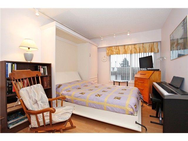 Photo 4: Photos: 302 1390 Martin Street: White Rock Condo for sale (South Surrey White Rock)  : MLS®# F1427952