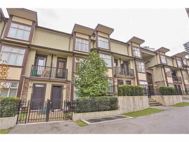 Main Photo: 209 5588 PATTERSON AVENUE in : Central Park BS Townhouse for sale : MLS®# V991240