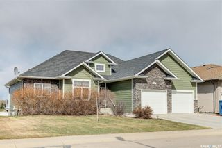 Photo 2: 204 Brookside Drive in Warman: Residential for sale : MLS®# SK851525