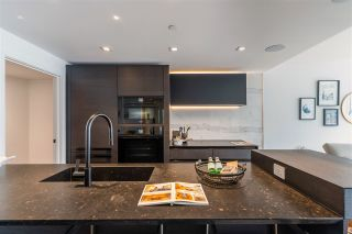 Photo 11: 1403 620 CARDERO STREET in Vancouver: Coal Harbour Condo for sale (Vancouver West)  : MLS®# R2493404