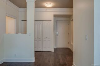 Photo 4: 402 845 Yates St in Victoria: Vi Downtown Condo for sale : MLS®# 844824