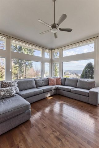 """Photo 10: 20 181 RAVINE Drive in Port Moody: Heritage Mountain Townhouse for sale in """"The Viewpoint"""" : MLS®# R2568022"""