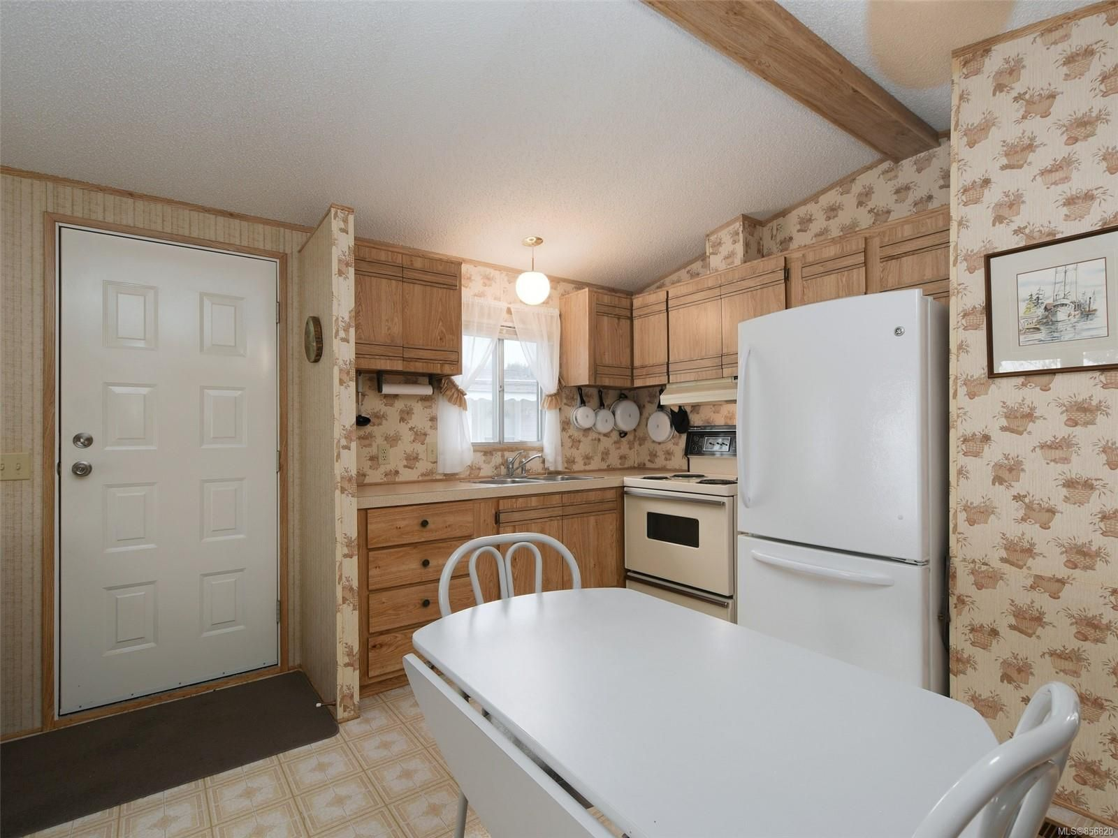 Photo 8: Photos: 25 7871 West Coast Rd in : Sk Kemp Lake Manufactured Home for sale (Sooke)  : MLS®# 856820