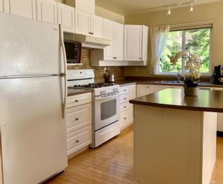 Photo 9: 68 118 Aldersmith Pl in : VR Glentana Row/Townhouse for sale (View Royal)  : MLS®# 876426
