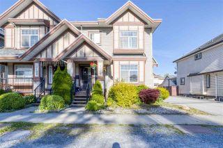 Photo 2: 7118 144 Street in Surrey: East Newton 1/2 Duplex for sale : MLS®# R2588083