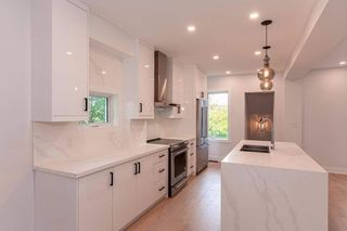 Photo 5: 51 Mountview Avenue in Toronto: High Park North House (2-Storey) for sale (Toronto W02)  : MLS®# W4658427