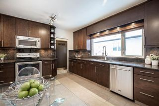 Photo 11: 532 Country Club Boulevard in Winnipeg: Westwood Residential for sale (5G)  : MLS®# 202101583
