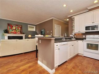 Photo 7: 969 Cavalcade Terr in VICTORIA: La Florence Lake House for sale (Langford)  : MLS®# 622566