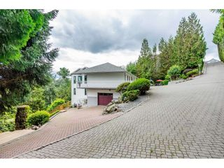 Photo 2: 2058 LION Court in Abbotsford: Abbotsford East House for sale : MLS®# R2378598