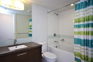 """Photo 12: 807 10777 UNIVERSITY Drive in Surrey: Whalley Condo for sale in """"City Point"""" (North Surrey)  : MLS®# R2593090"""