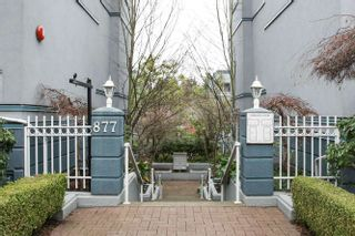 "Photo 2: 20 877 W 7TH Avenue in Vancouver: Fairview VW Townhouse for sale in ""EMERALD COURT"" (Vancouver West)  : MLS®# V1111348"
