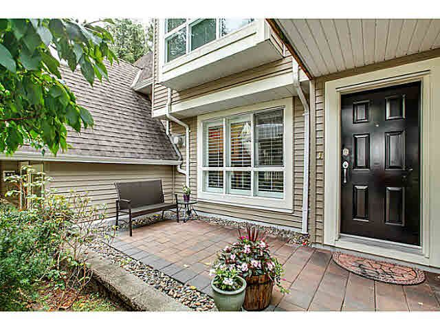 "Main Photo: 15 1073 LYNN VALLEY Road in North Vancouver: Lynn Valley Townhouse for sale in ""RIVER ROCK"" : MLS®# V1108053"