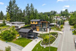 Photo 2: 33191 HILL AVENUE in Mission: Mission BC House for sale : MLS®# R2467766