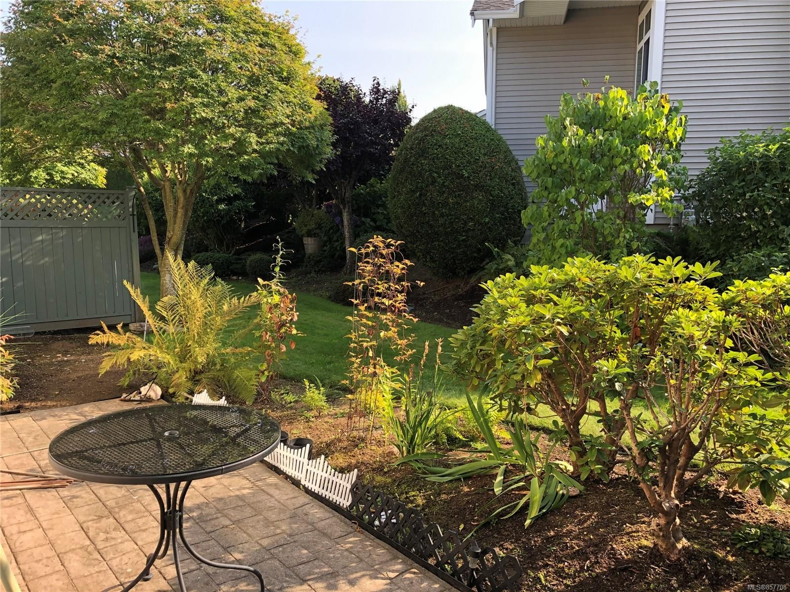 Photo 12: Photos: 6151 Bellflower Way in : Na North Nanaimo Row/Townhouse for sale (Nanaimo)  : MLS®# 857708