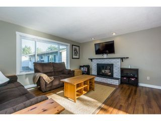 Photo 3: 2876 267A Street in Langley: Aldergrove Langley House for sale : MLS®# R2226858