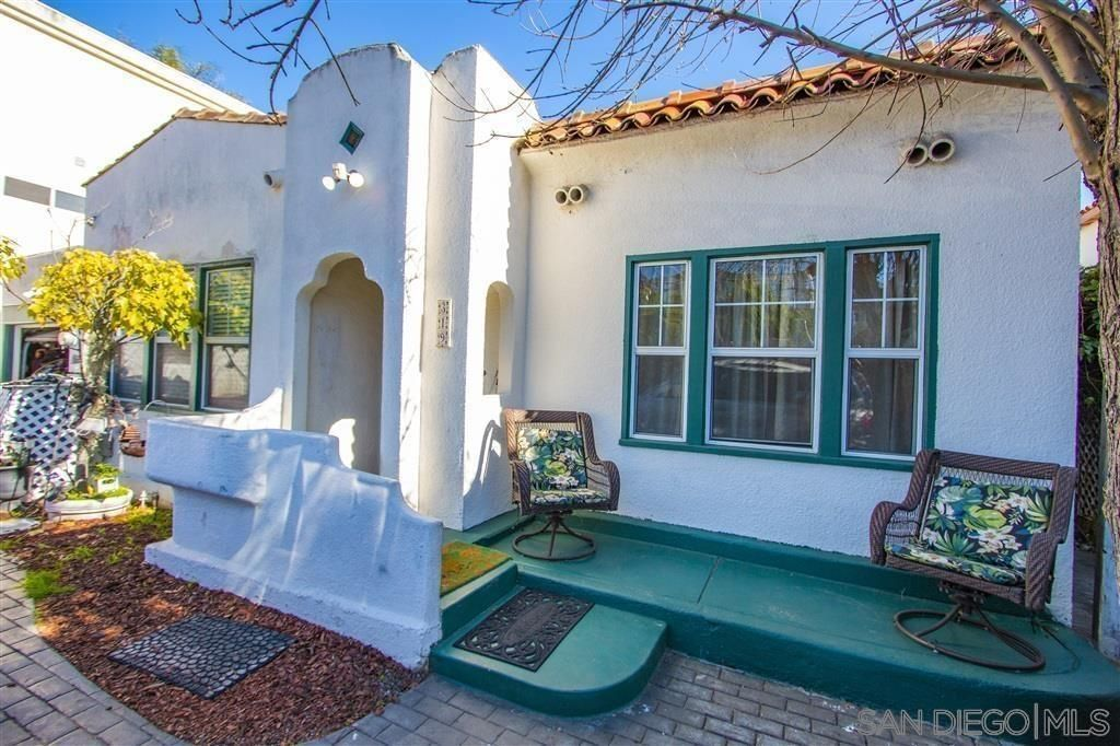 Main Photo: POINT LOMA House for sale : 2 bedrooms : 319 Rosecrans St in San Diego