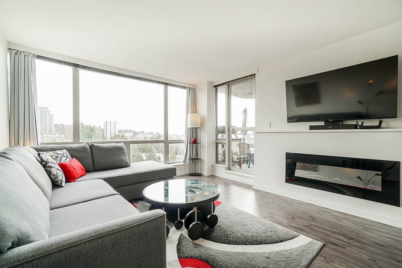 """Main Photo:  in Burnaby: Cariboo Condo for sale in """"STRATHMORE TOWERS"""" (Burnaby North)  : MLS®# R2546524"""