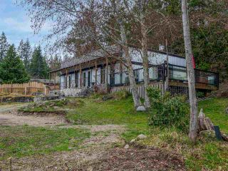 Photo 2: 4591 4581 FRANCIS PENINSULA Road in Sechelt: Pender Harbour Egmont House for sale (Sunshine Coast)  : MLS®# R2555672