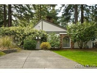 Photo 2:  in VICTORIA: SE Broadmead House for sale (Saanich East)  : MLS®# 528938