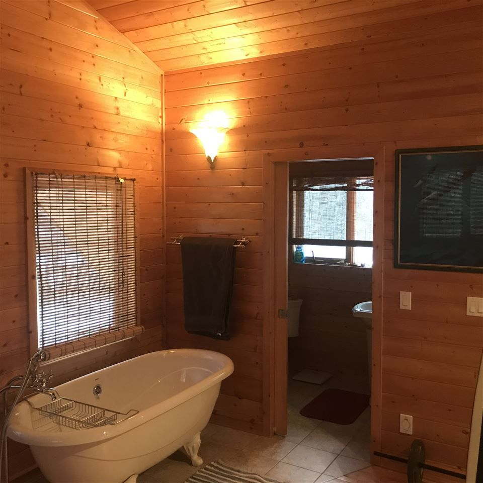 Photo 12: Photos: 13188 PRESTON Road in Charlie Lake: Fort St. John - Rural W 100th House for sale (Fort St. John (Zone 60))  : MLS®# R2524005