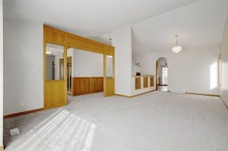 Photo 8: 24 SIGNATURE Way SW in Calgary: Signal Hill Detached for sale : MLS®# C4302567