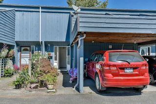 Photo 2: 5 3168 268TH Street in Langley: Aldergrove Langley Townhouse for sale : MLS®# R2100772