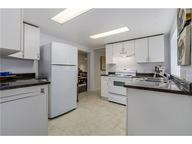 """Photo 14: Photos: 1361 E 15TH Street in North Vancouver: Westlynn House for sale in """"WESTLYNN"""" : MLS®# V1129244"""