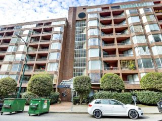 """Main Photo: 616 1333 HORNBY Street in Vancouver: Downtown VW Condo for sale in """"ANCHOR POINT"""" (Vancouver West)  : MLS®# R2620543"""
