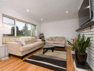 Photo 2: 3876 Carey Rd in VICTORIA: SW Tillicum House for sale (Saanich West)  : MLS®# 835142