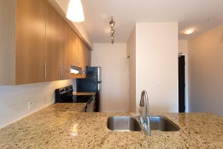 """Photo 3: 301 5211 GRIMMER Street in Burnaby: Metrotown Condo for sale in """"OAKTERRA"""" (Burnaby South)  : MLS®# R2364778"""