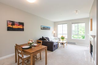 Photo 4: 308 5835 HAMPTON PLACE in Vancouver West: University VW Condo for sale ()  : MLS®# V1124878