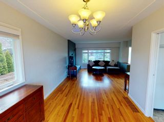 Photo 8: 2162 Allenby St in : OB Henderson House for sale (Oak Bay)  : MLS®# 871196