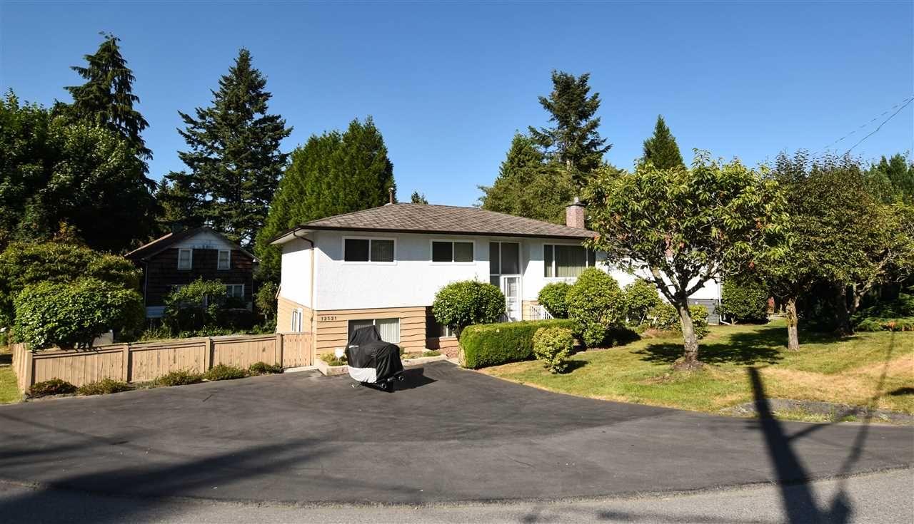 Main Photo: 12521 GROVE Crescent in Surrey: Cedar Hills House for sale (North Surrey)  : MLS®# R2191521