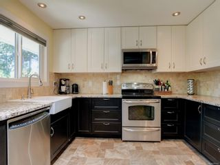 Photo 11: 559 Bunker Rd in Colwood: Co Latoria House for sale : MLS®# 882241