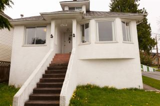 Photo 1: 4692 NANAIMO Street in Vancouver: Collingwood VE House for sale (Vancouver East)  : MLS®# R2260184