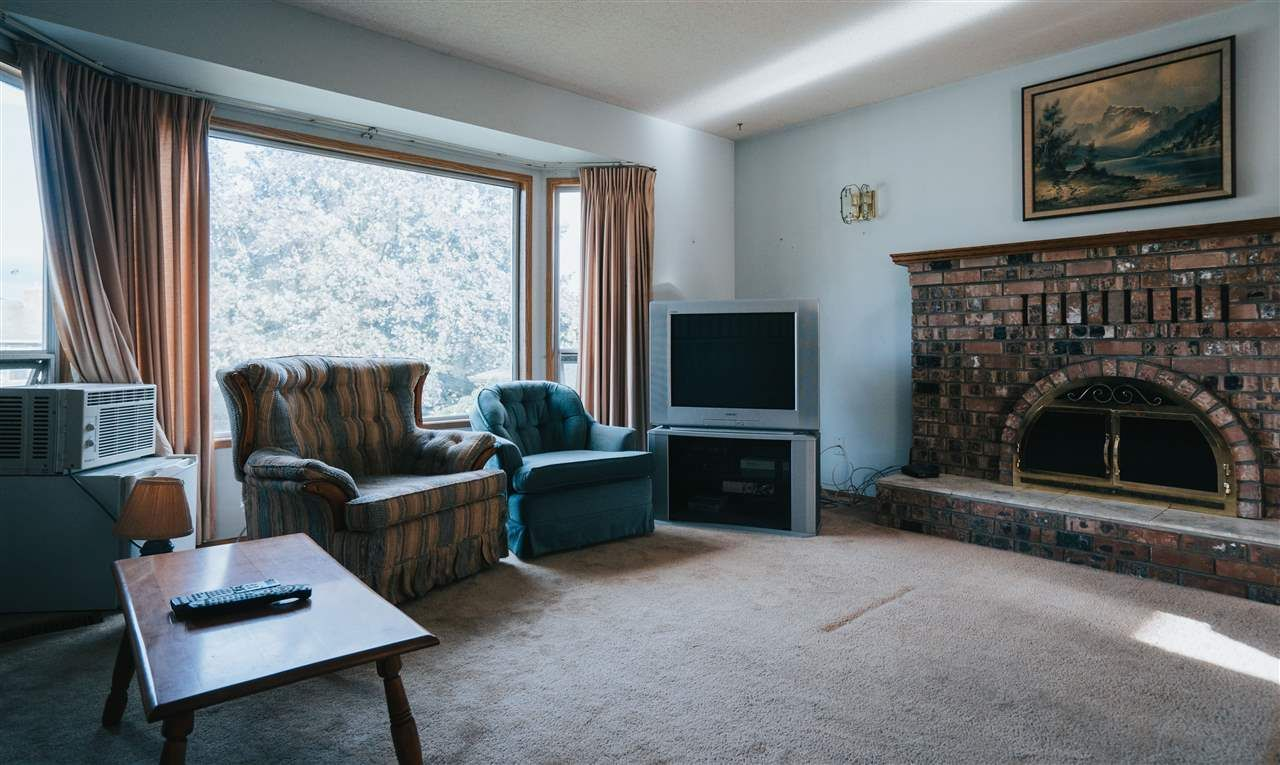 Photo 15: Photos: 3655 FIFE Place in Abbotsford: Central Abbotsford House for sale : MLS®# R2479390