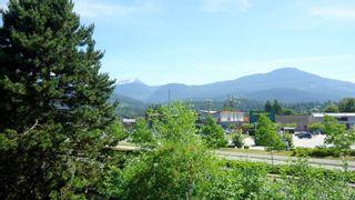 """Photo 17: E203 40180 WILLOW Crescent in Squamish: Garibaldi Estates Condo for sale in """"Diamond Head Place"""" : MLS®# R2075103"""