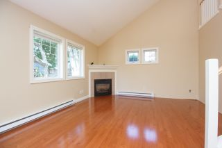Photo 6: Master on Main in Detached Townhome in Sidney