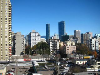 """Photo 3: 905 1250 BURNABY Street in Vancouver: West End VW Condo for sale in """"The Horizon"""" (Vancouver West)  : MLS®# R2424794"""