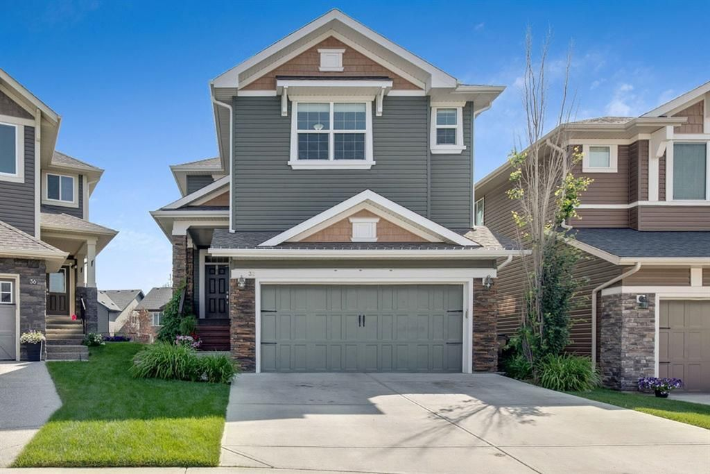 Main Photo: 32 Cougar Ridge Place SW in Calgary: Cougar Ridge Detached for sale : MLS®# A1130851