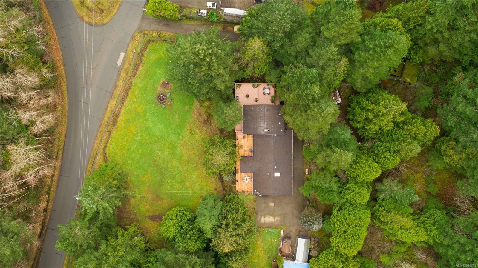 Photo 4: Photos: 2978 Woodridge Pl in : Hi Eastern Highlands House for sale (Highlands)  : MLS®# 864213