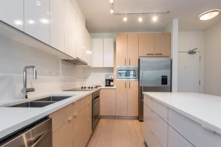 """Photo 5: 105 1621 HAMILTON Avenue in North Vancouver: Mosquito Creek Condo for sale in """"Heywood on the Park"""" : MLS®# R2393282"""
