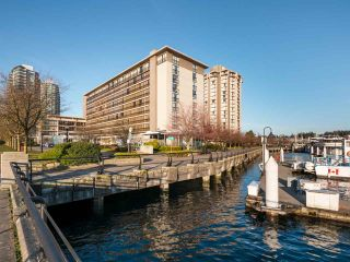 """Photo 14: 511 1333 W GEORGIA Street in Vancouver: Coal Harbour Condo for sale in """"Qube"""" (Vancouver West)  : MLS®# R2439175"""