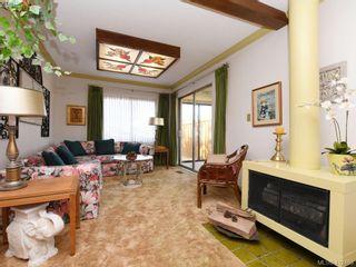 Photo 2: 469 Sturdee St in VICTORIA: Es Esquimalt House for sale (Esquimalt)  : MLS®# 817896