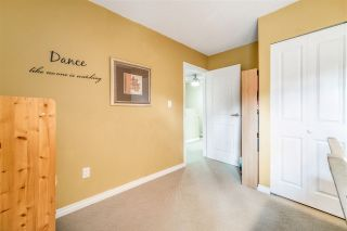 Photo 17: 1837 LILAC DRIVE in Surrey: King George Corridor Townhouse for sale (South Surrey White Rock)  : MLS®# R2476030